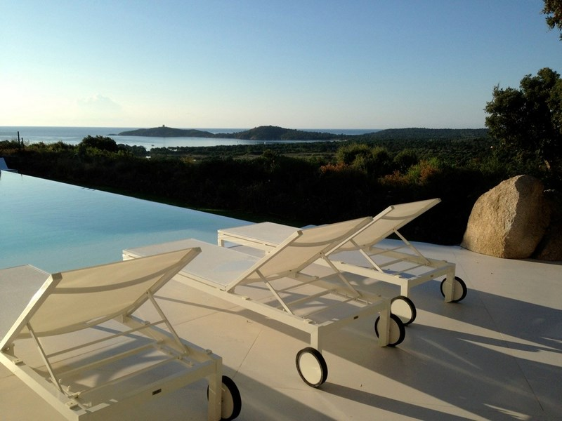 Terrasse Piscine Villa en Corse