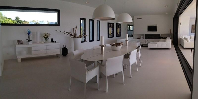 Salle à manger Villa Corse