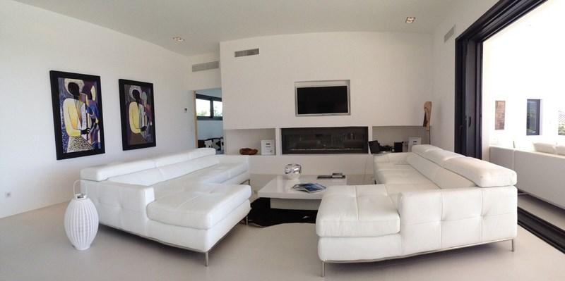 Salon d'une villa en Corse à Pinarello