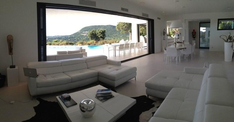Salon d'une Villa de Prestige en Corse